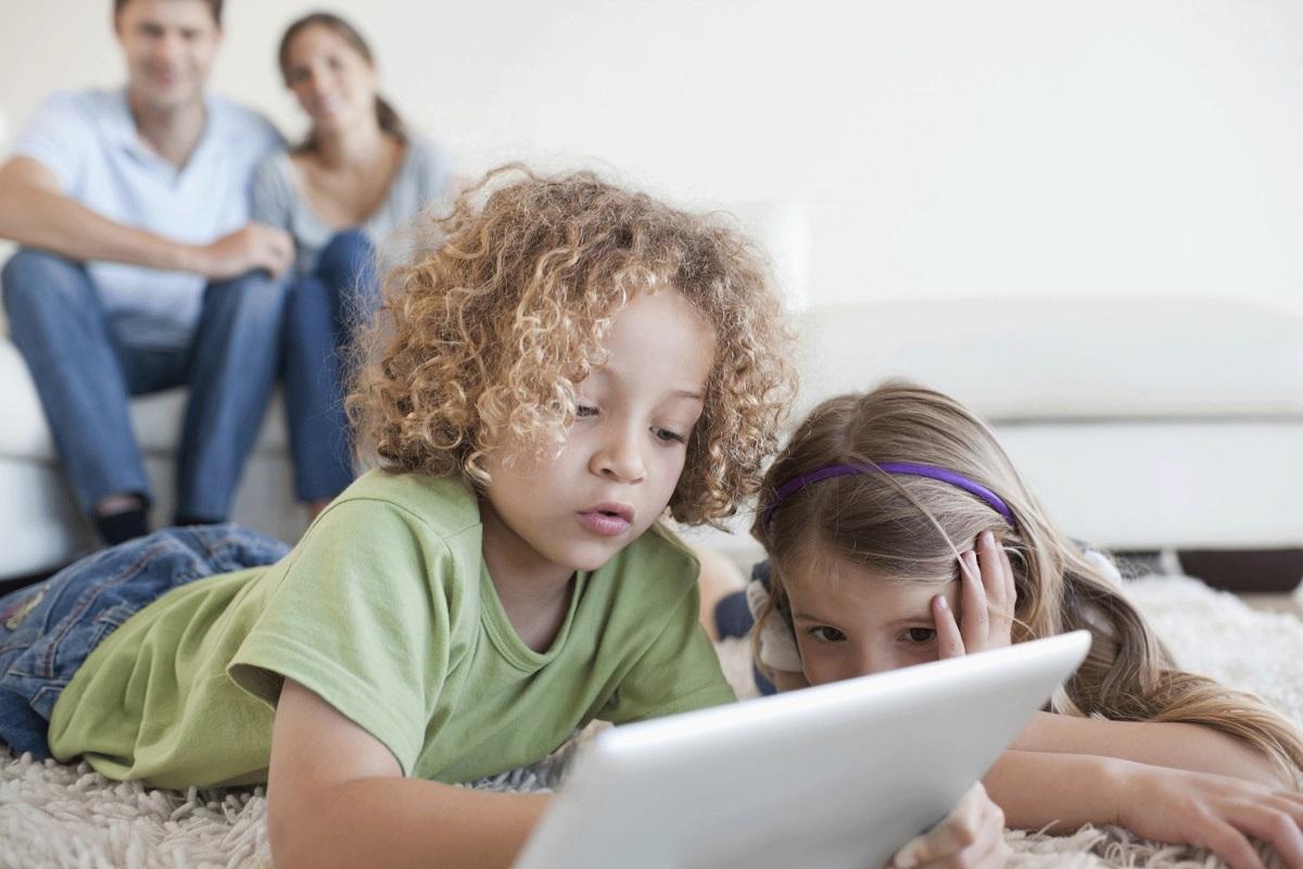 kids-with-ipad