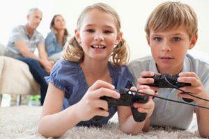 kids-playing-games